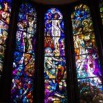 息を飲むステンドグラスと光の世界 四ツ谷「聖イグナチオ教会」